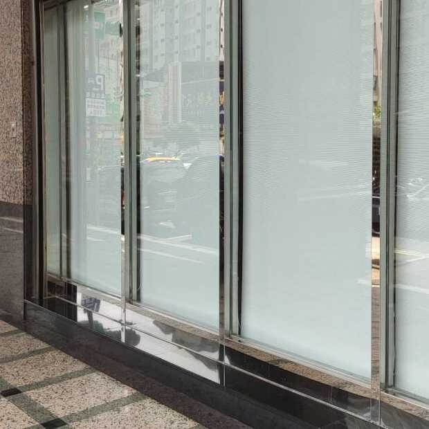 大樓玻璃非常乾淨明亮